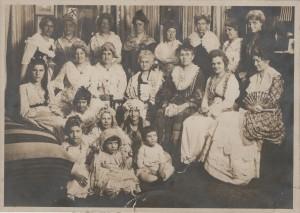 dar photo 1920 GW lunch